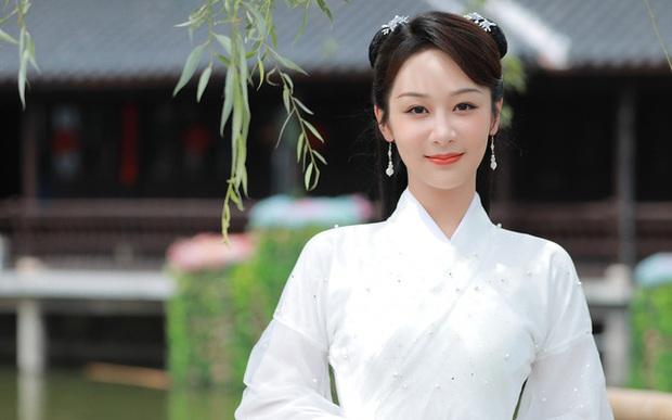 Dương Tử thổi bay Cúc Tịnh Y để làm nữ chính phim mới, còn đang phân vân yêu lại Lý Hiện hay Đặng Luân? - Ảnh 4.