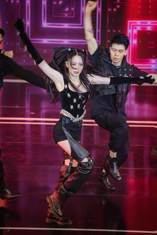 Thiều Bảo Trang hóa Jennie (BLACKPINK) dance cover nhưng bị cà khịa ca sĩ không có hit, còn nhắc tới cả Thiều Bảo Trâm - Ảnh 2.