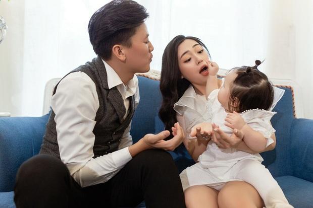 Bà xã kém 16 tuổi Quách Ngọc Tuyên vừa dẫn đi thi THPT: Xinh như hotgirl, vòng 1 căng tràn, gây sốt với chuyện tình chú cháu  - Ảnh 12.