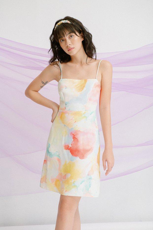 Quỳnh Anh Shyn diện váy hai dây tie dye quá iu, chị em ưng mắt thì có thể tậu theo với giá từ 190k - Ảnh 6.
