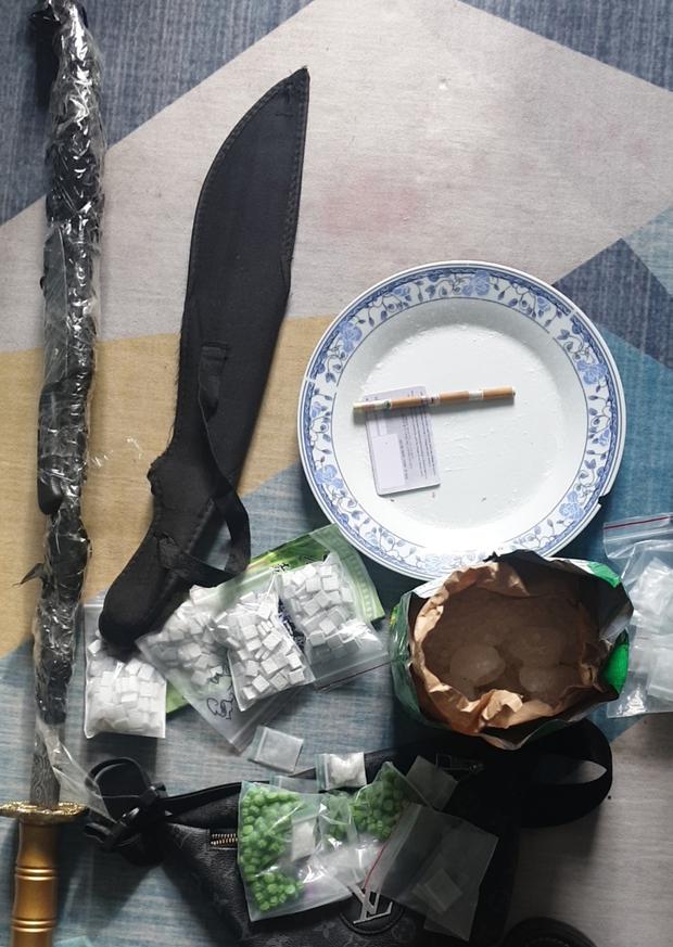 TP.HCM: Băng nhóm tàng trữ ma tuý còn bắt cóc con nợ để đánh đập, quay clip ép gia đình trả nợ - Ảnh 4.
