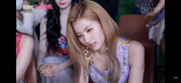 Ảnh chụp màn hình hậu trường tố nhan sắc thật của TWICE: Mina như tiểu thư quý tộc, nhưng choáng nhất là Tzuyu - Ảnh 4.