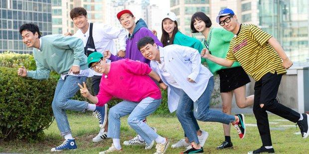 Running Man trở thành gameshow dài hơi nhất Hàn Quốc, Yoo Jae Suk và Haha tự phá kỷ lục của chính mình - Ảnh 1.