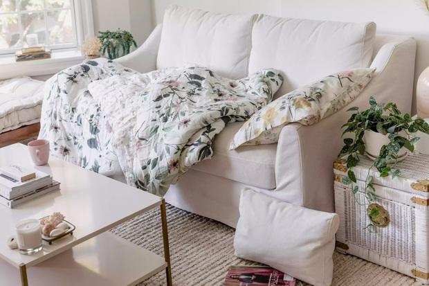 6 thói quen tai hại rút ngắn tuổi thọ của ghế sofa, cái thứ 3 khiến nhiều người giật mình - Ảnh 3.