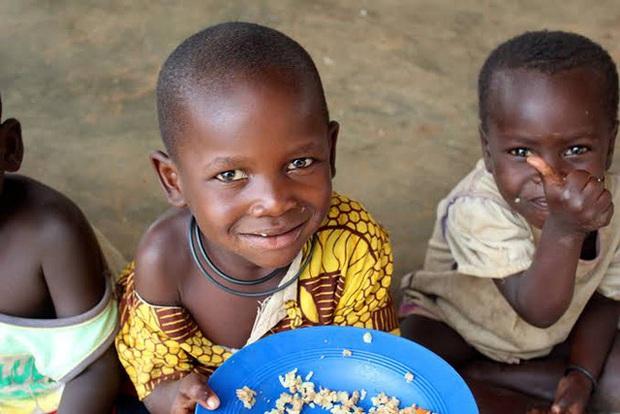 Cận cảnh cái nghèo ở Haiti nơi Tổng thống vừa bị ám sát: May mắn mới kiếm được 70.000 đồng/tuần, cái đói đáng sợ hơn virus Corona - Ảnh 4.