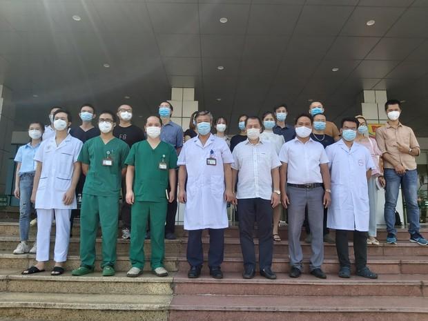 30 y bác sĩ Bệnh viện Bệnh Nhiệt đới Trung ương chi viện TP.HCM chống dịch - Ảnh 1.