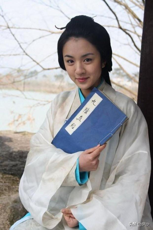 HOT: Hồ Ca bí mật kết hôn tại Thượng Hải, bà xã không phải là Lưu Diệc Phi mà lại là... mẹ vợ? - Ảnh 3.