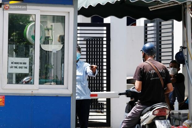 Hà Nội: Phong toả toà chung cư ở Thanh Xuân nơi có 2 ca dương tính SARS-CoV-2 - Ảnh 7.