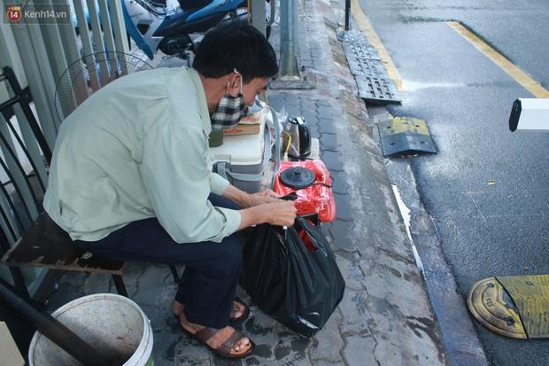 Hà Nội: Phong toả toà chung cư ở Thanh Xuân nơi có 2 ca dương tính SARS-CoV-2 - Ảnh 9.