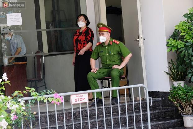 Hà Nội: Phong toả toà chung cư ở Thanh Xuân nơi có 2 ca dương tính SARS-CoV-2 - Ảnh 2.