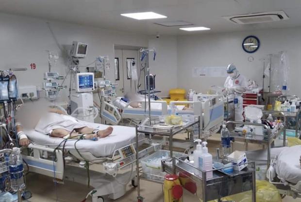 TP.HCM triển khai 1.000 giường hồi sức dành cho bệnh nhân Covid-19 nặng để giảm tỷ lệ tử vong - Ảnh 1.