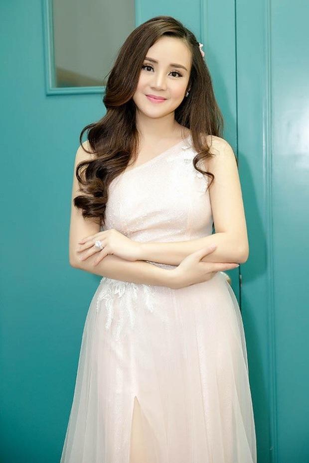 Netizen chỉ ra chi tiết nhỏ cho thấy Vy Oanh photoshop tin nhắn với Hoa hậu Thu Hoài, nhưng liệu có hợp lý? - Ảnh 7.