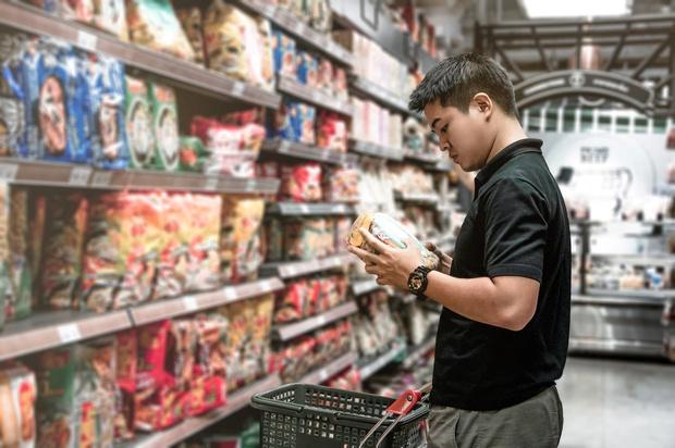 Không có gì dễ mua bằng mì ăn liền, nhưng có những điều nhất định bạn phải biết trước khi mua - Ảnh 1.