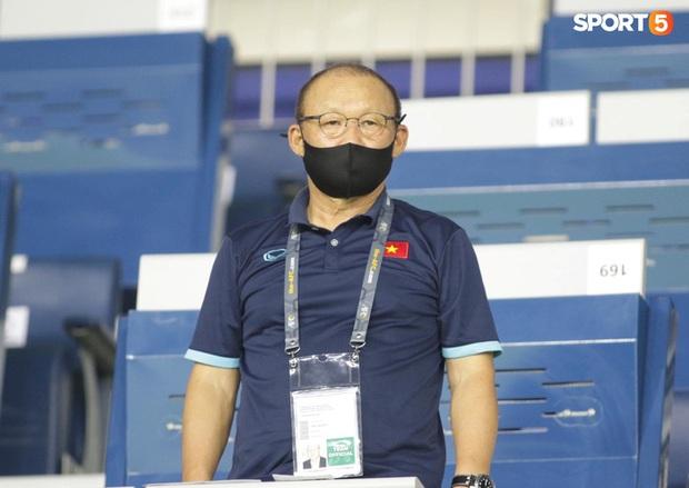 HLV Park Hang-seo trở về Hàn Quốc chịu tang bố vợ - Ảnh 1.