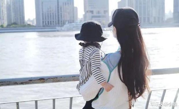 Xôn xao hình ảnh Đường Yên lộ bụng bầu lùm lùm, mang thai lần 2 sau 1 năm sinh tiểu công chúa đầu lòng? - Ảnh 3.