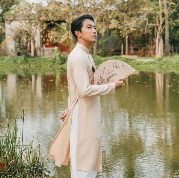 Streamer nhà người ta Cris Phan: Nhà biệt thự, bố rất giàu, bản thân có thu nhập hàng trăm triệu mỗi tháng! - Ảnh 1.