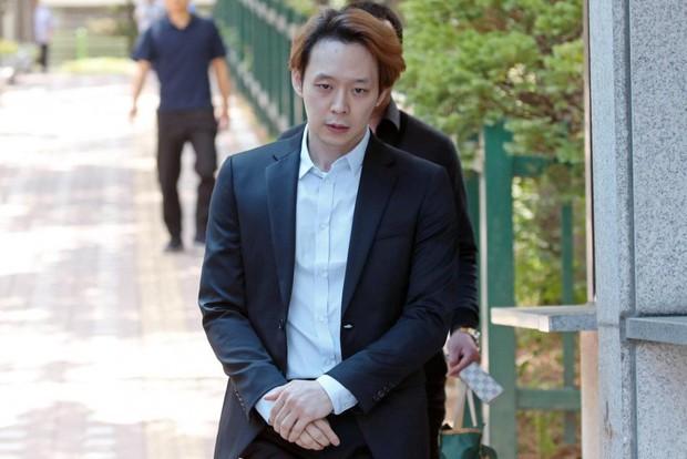 """Sốc: Quản lý cũ """"quay xe"""" vạch trần Park Yoochun tái nghiện ma túy, cờ bạc, đứng ra làm chứng lật lại vụ án cưỡng dâm - Ảnh 2."""