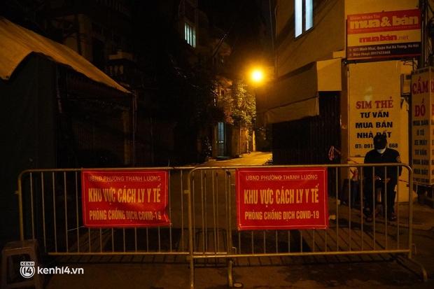 Hà Nội: Phong toả tạm thời ngõ 651 Minh Khai do có 20 ca nghi nhiễm Covid-19 - Ảnh 1.