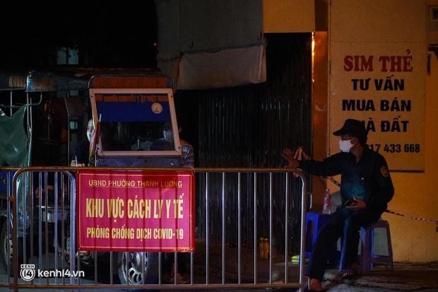 Hà Nội: Phong toả tạm thời ngõ 651 Minh Khai do có 20 ca nghi nhiễm Covid-19 - Ảnh 4.
