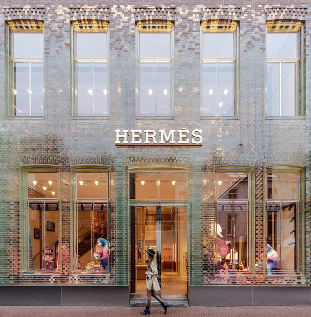 Mặc đại dịch hoành hành, doanh thu 6 tháng đầu năm 2021 của Hermès vẫn tăng trưởng khủng khiếp, thành tích nhìn mà nể - Ảnh 1.