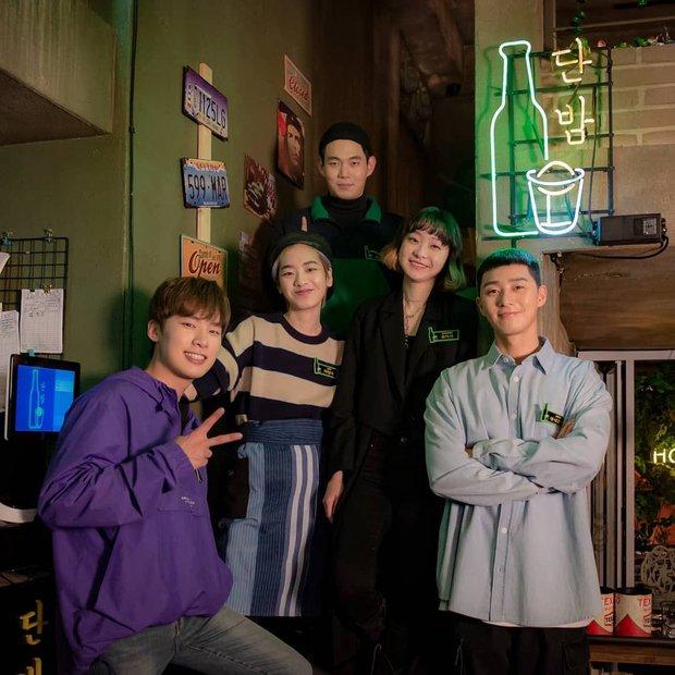 Nóng bỏng tay: Itaewon Class chính thức có phiên bản Hollywood, loạt bom tấn truyền hình Hàn cũng rục rịch được remake - Ảnh 3.