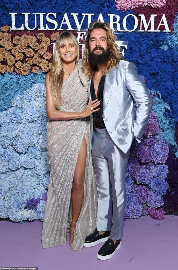 Thảm tím gala Unicef: Katy Perry lột xác, con gái Heidi Klum ngực khủng át cả tình cũ Brooklyn và Emily Ratajkowski hở hiểm hóc - Ảnh 12.