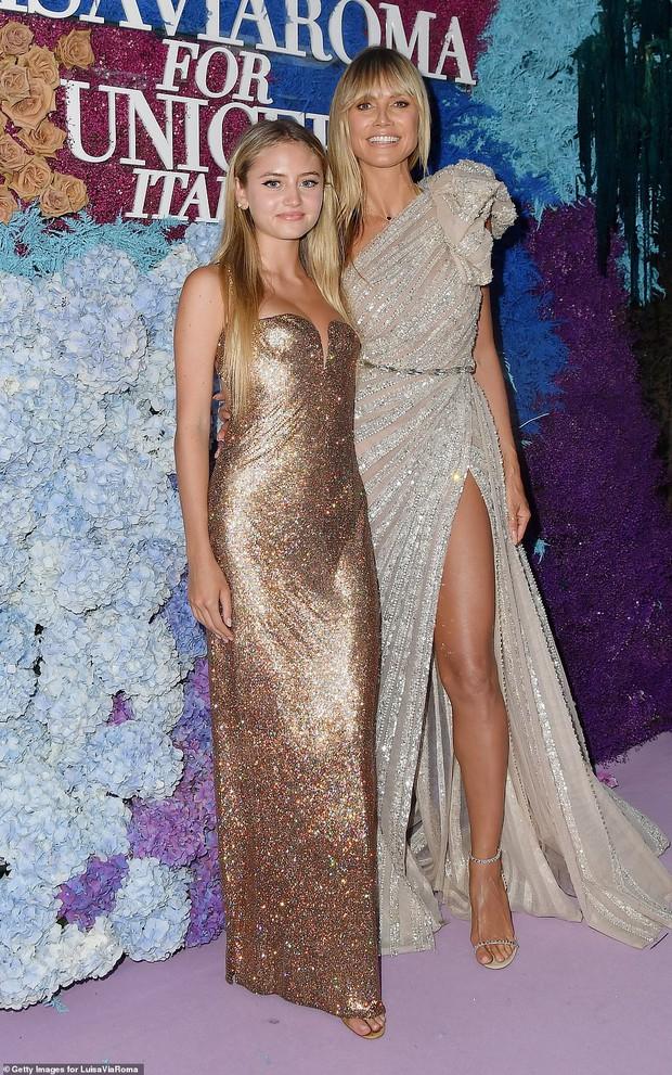 Thảm tím gala Unicef: Katy Perry lột xác, con gái Heidi Klum ngực khủng át cả tình cũ Brooklyn và Emily Ratajkowski hở hiểm hóc - Ảnh 13.