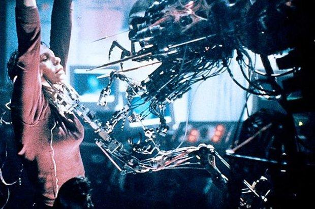 10 bộ phim khiến diễn viên chính nhục nhã, xấu hổ cả đời: Kate Winslet muốn nôn mửa vì Titanic, ngôi sao khác còn khóc suốt 1 tiếng vì bị ép đóng! - Ảnh 8.