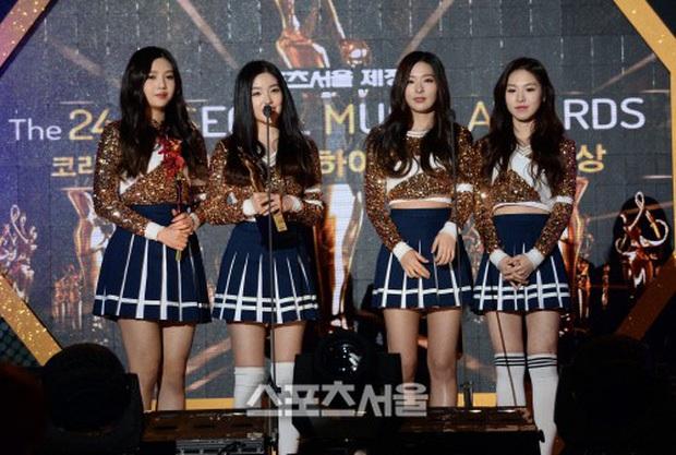 Red Velvet bảo toàn đội hình vượt qua số 7 lời nguyền: Áp lực so sánh với TWICE, BLACKPINK cùng màn đóng băng tiếc nuối - Ảnh 3.