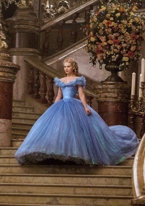 7 bí mật đằng sau váy Lọ Lem của Lily James: Khoảnh khắc kinh diễm lại gây ám ảnh, thốn nhất là khâu đi vệ sinh - Ảnh 4.