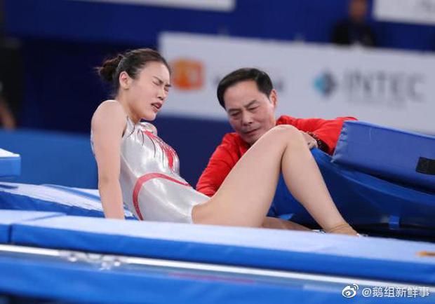 Khoảnh khắc chấn thương của nữ thần thể dục dụng cụ Trung Quốc bất ngờ gây sốt và kết cục đáng tự hào ở Olympic Tokyo 2020 - Ảnh 6.