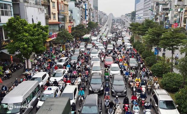 Hà Nội ơi, bạn còn nhớ đường phố những ngày này không? - Ảnh 7.