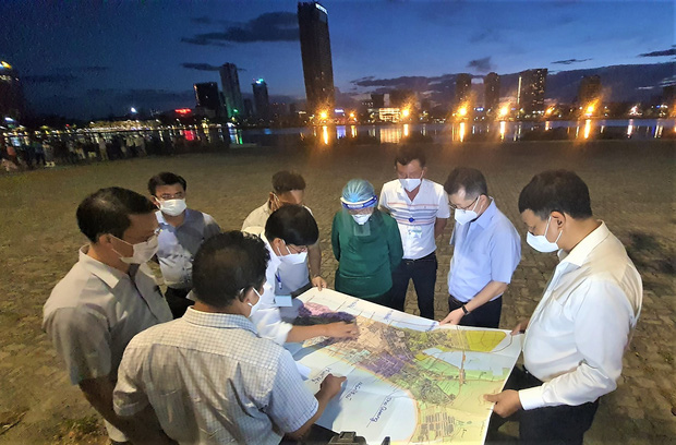 Bí thư Đà Nẵng yêu cầu phong tỏa gấp 4 phường tại quận Sơn Trà ngay trong đêm - Ảnh 1.