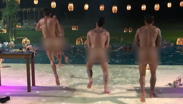Too Hot To Handle Brazil gây choáng với đủ kiểu phá luật: Sex 5 lần 1 đêm, hôn đồng giới đến tắm tiên tập thể! - Ảnh 1.