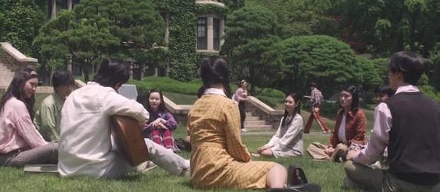 Có một trường đại học là bối cảnh của cả tá phim Hàn đình đám, nhìn Cha Eun Woo tới lớp mà muốn nhập học liền! - Ảnh 9.