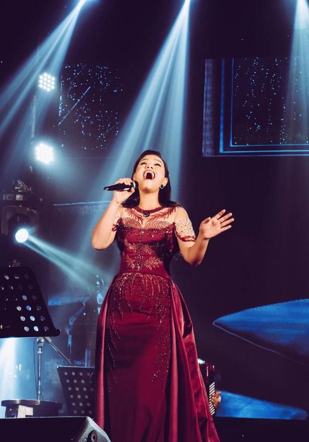 Nữ ca sĩ idol đầu tiên của Việt Nam: Tài năng có thừa nhưng phải tạm ngưng sự nghiệp vì bị miệt thị ngoại hình, sau 14 năm giờ ra sao? - Ảnh 17.