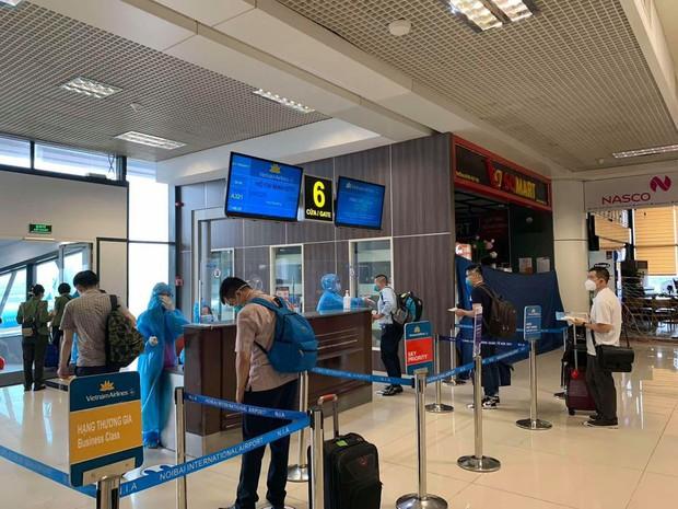Gần 200 y bác sĩ của 11 đoàn y tế từ Hà Nội tiếp tục lên đường chi viện cho miền Nam chống dịch Covid-19 - Ảnh 3.