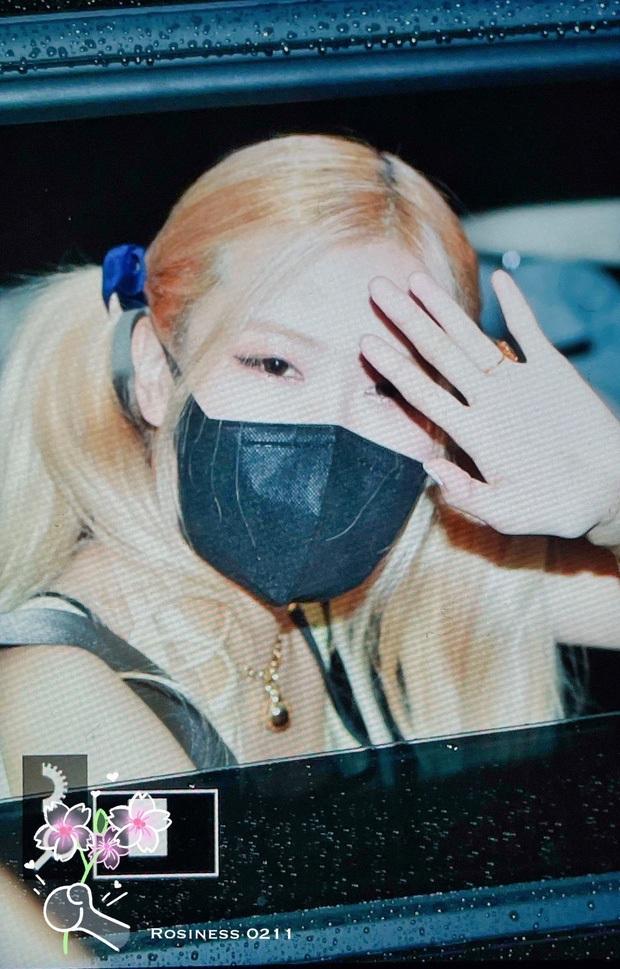 Kiểm chứng nhan sắc của dàn idol trên đường đi làm: Rosé eo nhỏ khó tin, Jeon Somi đẹp như búp bê, Irene lộ vòng 1 lấp ló sexy xịt máu - Ảnh 3.
