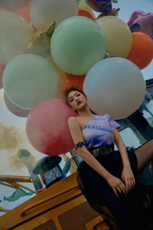 """Ngộp visual trong ảnh """"nhá hàng"""" lạ mắt của Red Velvet: Irene đẹp """"câm nín"""" sau phốt, Wendy mặt đơ lột xác đỉnh cao - Ảnh 14."""