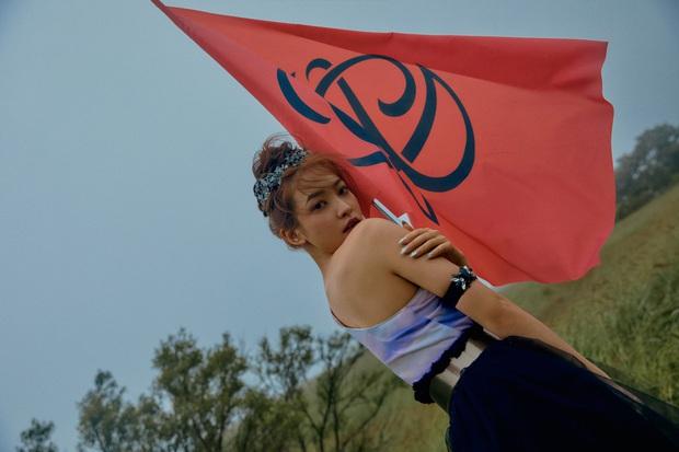 """Ngộp visual trong ảnh """"nhá hàng"""" lạ mắt của Red Velvet: Irene đẹp """"câm nín"""" sau phốt, Wendy mặt đơ lột xác đỉnh cao - Ảnh 17."""