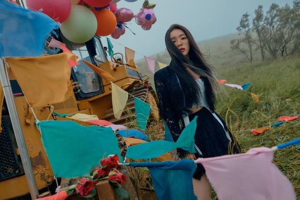 """Ngộp visual trong ảnh """"nhá hàng"""" lạ mắt của Red Velvet: Irene đẹp """"câm nín"""" sau phốt, Wendy mặt đơ lột xác đỉnh cao - Ảnh 4."""