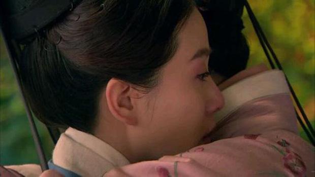 Mỹ nhân Hoa ngữ lộ khuyết điểm chết người trên phim: Lưu Diệc Phi - Đường Yên chỉ đẹp khi không cười, Triệu Lệ Dĩnh gầy đến trơ xương - Ảnh 4.