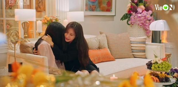 Penthouse 3 tập 10: Ju Dan Tae bị quật tơi tả, vừa mất cả núi tiền lại còn bị tống vào trại tâm thần - Ảnh 3.