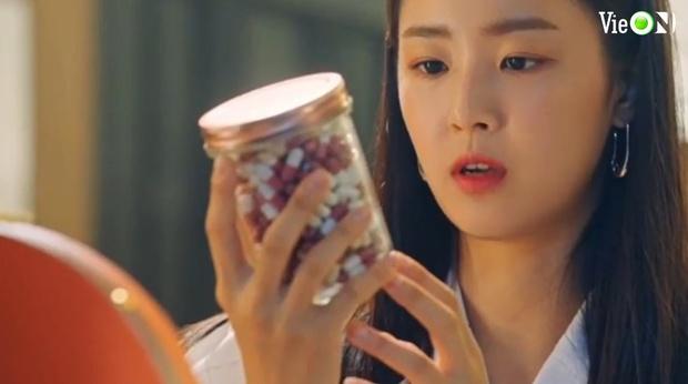 Penthouse 3 tập 10: Ju Dan Tae bị quật tơi tả, vừa mất cả núi tiền lại còn bị tống vào trại tâm thần - Ảnh 8.