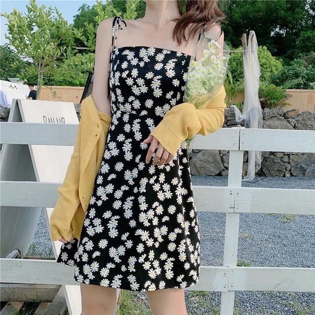 """Hòa Minzy khoe váy hai dây siêu xinh, giá cực """"êm"""" chỉ 90k nàng nào cũng nên tia gấp - Ảnh 7."""