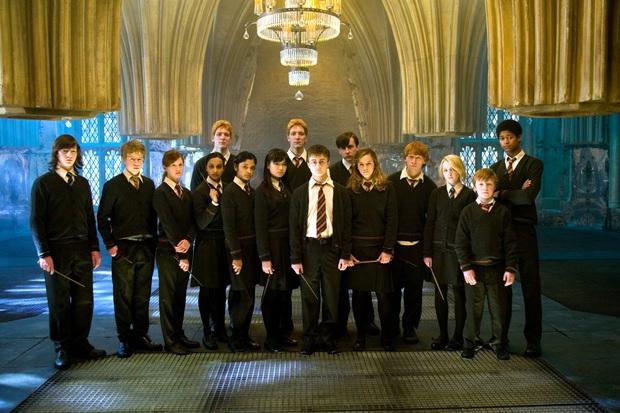 14 khoảnh khắc chứng tỏ Harry Potter chi tiết đến sợ, dự báo luôn kết cục của Voldemort mà chẳng ai để ý! - Ảnh 8.