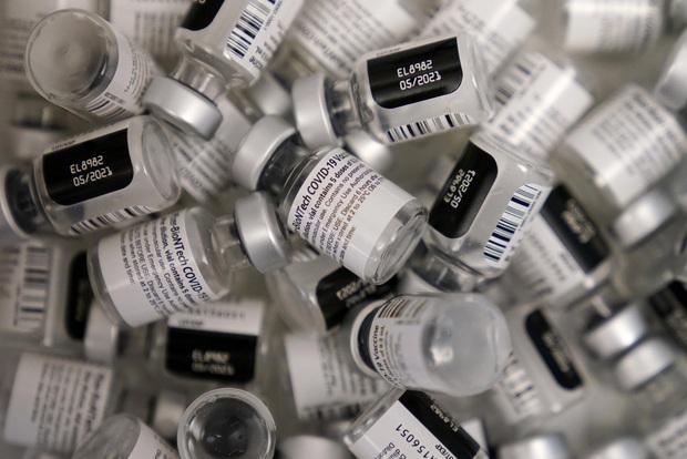 Những liều vaccine bị bỏ quên: Hàng triệu liều vaccine Covid đang bị thế giới bỏ phí, kẻ ăn không hết người lần chẳng ra - Ảnh 3.