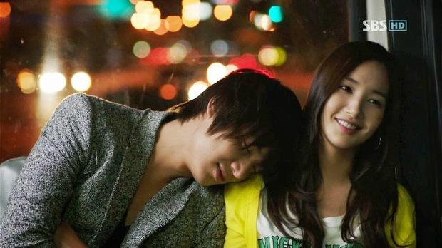 Bí kíp thoát ế kinh điển ở phim Hàn: Năng đi xe buýt, người yêu sẽ tới - Ảnh 9.