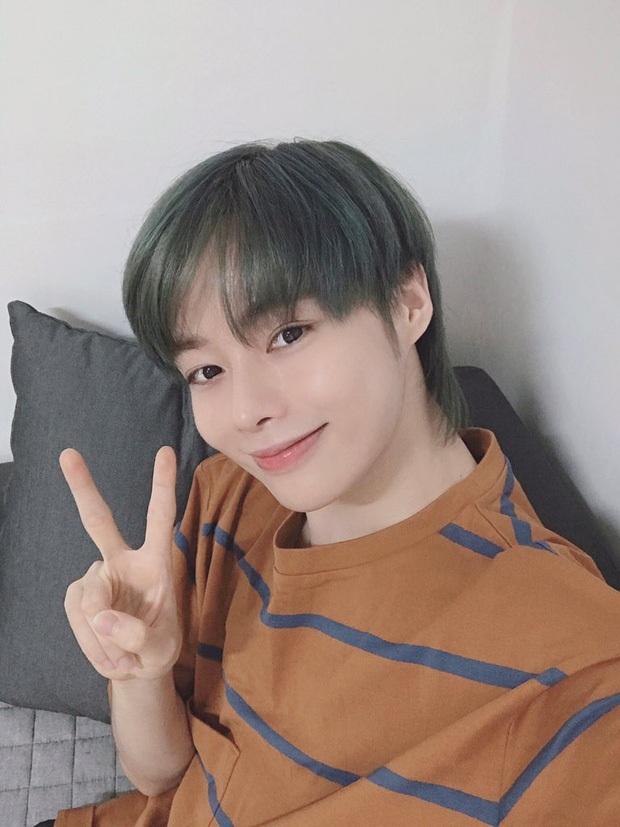 Hanbin leo top 1 trending khi lần đầu lộ diện cùng trainee công ty mới tại Hàn, có hành động đặc biệt khiến fan Việt ấm lòng - Ảnh 5.