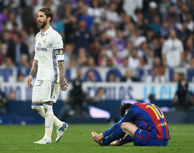 Từng chặt chém Messi kinh khủng nhất, Vua thẻ đỏ Sergio Ramos giờ lại tích cực nịnh bợ đồng đội mới ở PSG - Ảnh 8.